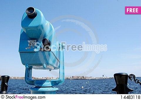 Free Sightseeing Binoculars In The Bay Royalty Free Stock Photos - 14483118