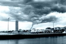 Free Tornado Incoming Royalty Free Stock Images - 14482559