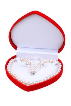 Free Pearl Necklace Royalty Free Stock Photos - 14483218