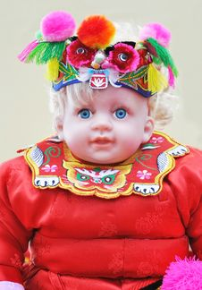 Doll In Chinese Traditional Dress Royalty Free Stock Photos