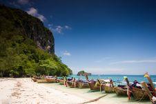 Free Boat At Por-da Island Royalty Free Stock Photo - 14486335