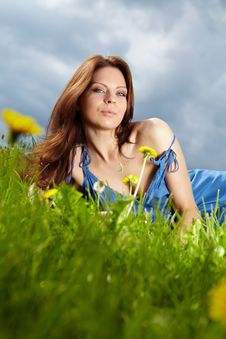 Free Beautiful Young Woman On Field Royalty Free Stock Photos - 14488478