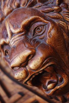 Free Big Wooden Head Of Lion Royalty Free Stock Images - 14488729