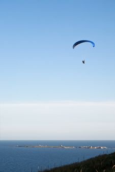 Free Paraglider Over Tabarca Royalty Free Stock Photography - 14489247