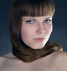 Free Girl With Straight Hair Over Dark Royalty Free Stock Images - 14490109