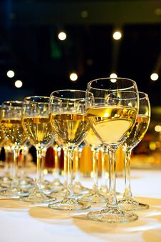 Free Filled Stemware Stock Photography - 14495422