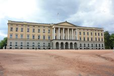 Free Presidential Palace In Olso Royalty Free Stock Images - 14496409