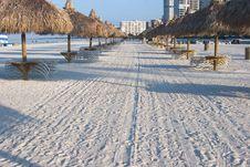 Free Tiki Huts On Beach Royalty Free Stock Images - 1452139
