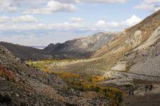 Free Mountain Hamlet In Autumn Royalty Free Stock Photo - 1455525