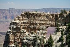 Free Grand Canyon Arch With Tourists Royalty Free Stock Photos - 1456058