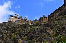 Castle Of Edinburgh From Garden Royalty Free Stock Photos