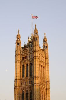 Free UK Flag On Houses Of Parliament Royalty Free Stock Images - 14504309