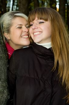 Free Two Young Women Royalty Free Stock Photography - 14513477