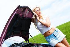 Free Girl Repairing Car Royalty Free Stock Images - 14513679