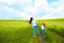 Free Mother And Daughter Royalty Free Stock Photo - 14514535