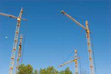 Free Four Hoisting Cranes Royalty Free Stock Photo - 14519155
