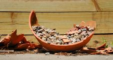 Free Discarded Flower Pot Stock Photos - 14520113