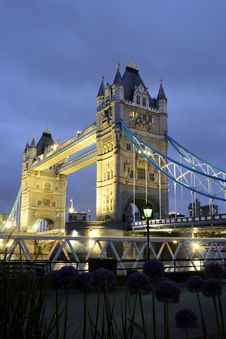 Free Tower Bridge At Night Royalty Free Stock Photography - 14524287