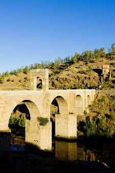 Free Roman Bridge Royalty Free Stock Images - 14524519