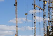 Free Elevating Construction Crane Royalty Free Stock Images - 14524989