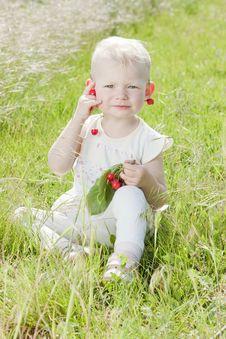 Free Sitting Toddler Stock Images - 14524994