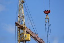 Free Elevating Construction Crane Royalty Free Stock Image - 14525086
