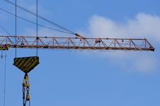 Free Elevating Construction Crane Royalty Free Stock Photography - 14525117