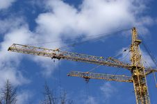 Free Elevating Construction Crane Royalty Free Stock Image - 14525396