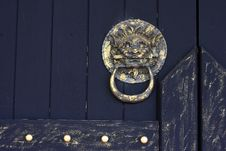 Free Rustic Lion-head Knocker Royalty Free Stock Photography - 14530867
