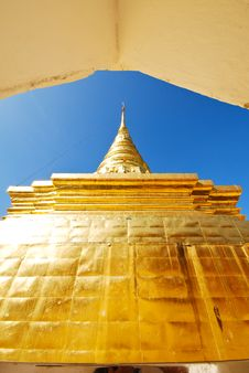 Free Golden Stupa Royalty Free Stock Photo - 14531335