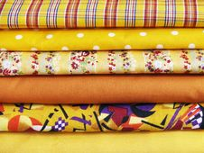 Free Cotton To Sew A Yellow Range Royalty Free Stock Image - 14535526