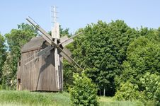 Free The Windmill Royalty Free Stock Photo - 14535605