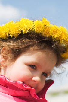 Free Girl And A Wreath Of Dandelions Stock Photography - 14537812
