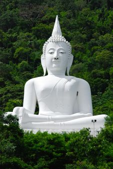 Buddha Sitting On The Mountain Royalty Free Stock Photography