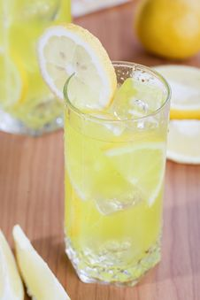 Free Glass Of Lemon Juice Royalty Free Stock Photos - 14546608
