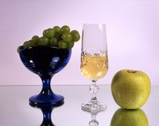 Free Wine And Fruits Royalty Free Stock Image - 14548016