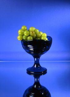 Free Green Grapes In Glass Bowl Stock Photography - 14548082