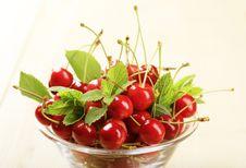 Bowl Of Fresh Cherries Stock Photos