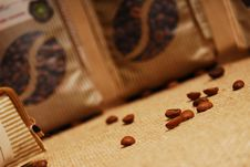 Free Coffee Beans On A Sacking Royalty Free Stock Photography - 14550507