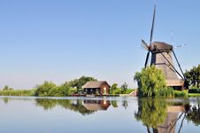 Free Mill On Canal Royalty Free Stock Image - 14551856