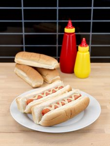 Free Hotdogs Stock Photography - 14552962