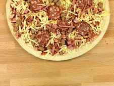 Free Uncooked Fresh Pizza Stock Images - 14552984