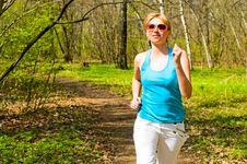 Free Girl Jogging Royalty Free Stock Photo - 14555615