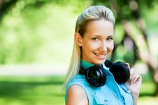 Free Girl With Headphones Royalty Free Stock Photography - 14555677