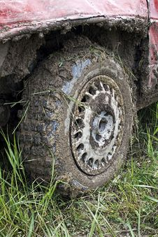 Free Muddy Car Tire Royalty Free Stock Photography - 14556637