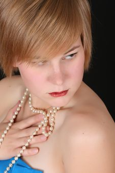 Free Female With Pearls Royalty Free Stock Photos - 14569118