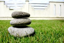 Free Balancing Round Stone Stock Photos - 14570483