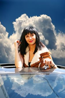 Free Beautiful Brunette In The Automobile Royalty Free Stock Images - 14574839