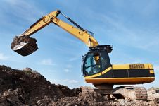 Free Loader Excavator In A Quarry Stock Image - 14575611