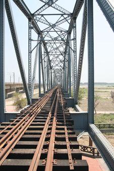 Free Iron Bridge Royalty Free Stock Photo - 14577105